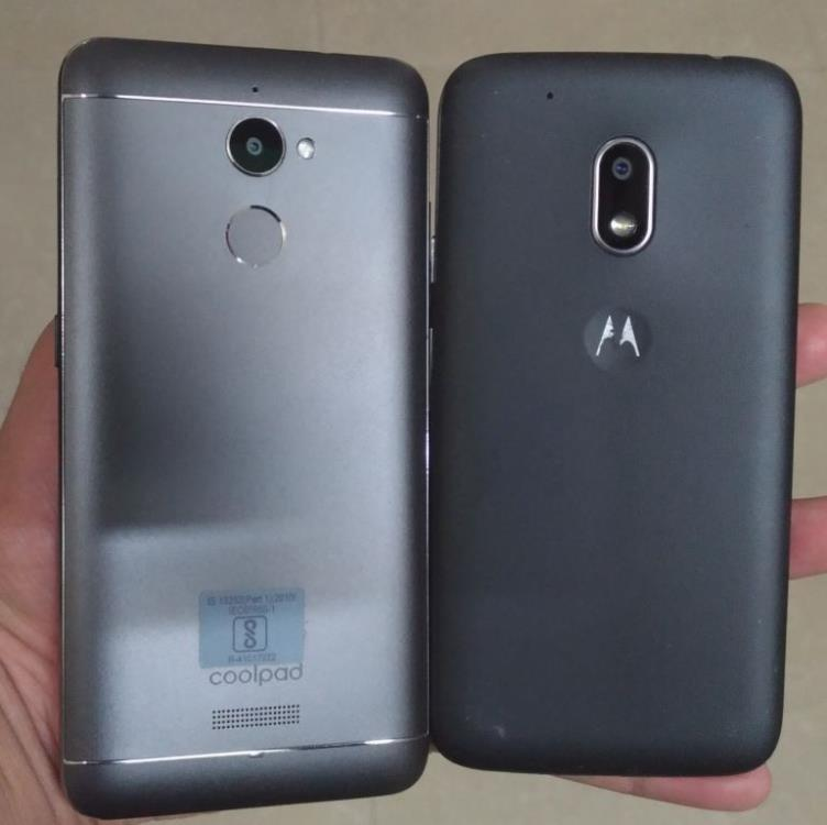 coolpad vs moto backside